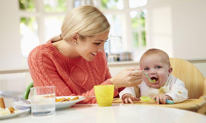 První příkrmy a vhodné potraviny pro děti do 1 roku