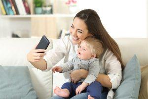 sdílení fotografií dítěte na internetu může dětem ublížit
